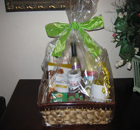 Wrapped gift basket - Gifts by MoPoe